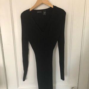 Formfitting black dressed
